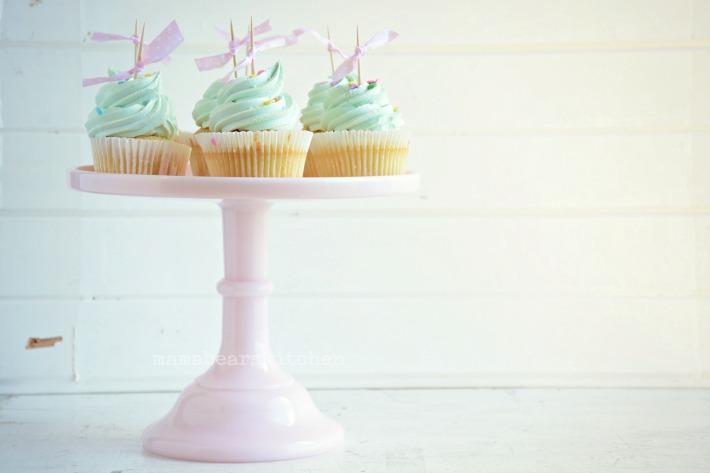 vanilla cupcake25