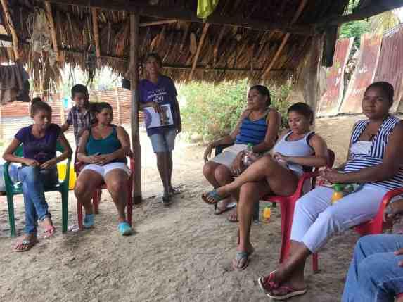 Mujeres artesanas de paz en los Montes de María