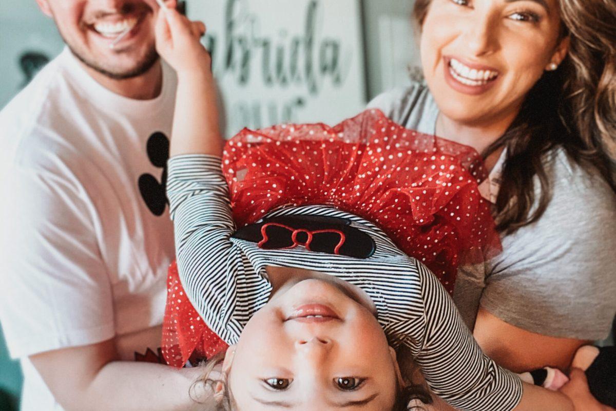 Happy family, smiling toddler, tips for raising bilingual children