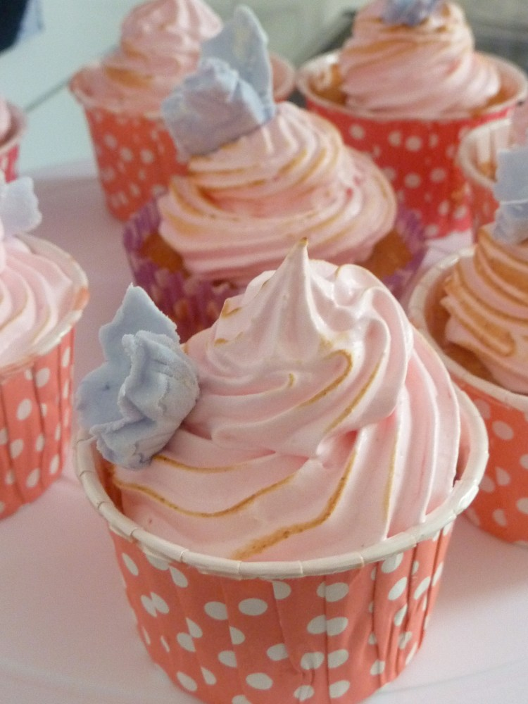 Cupcake moelleux girly citron meringué (1/4)