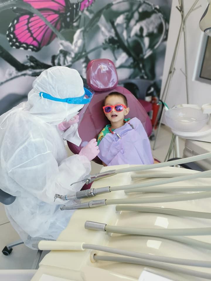 La stomatolog. Experiența noastră de la primul până la ultimul dințișor reparat