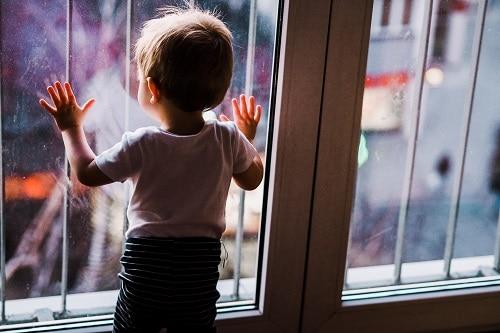 Nimeni nu dorește să își pună în pericol copiii. Totuși doar o secundă poate fi fatală