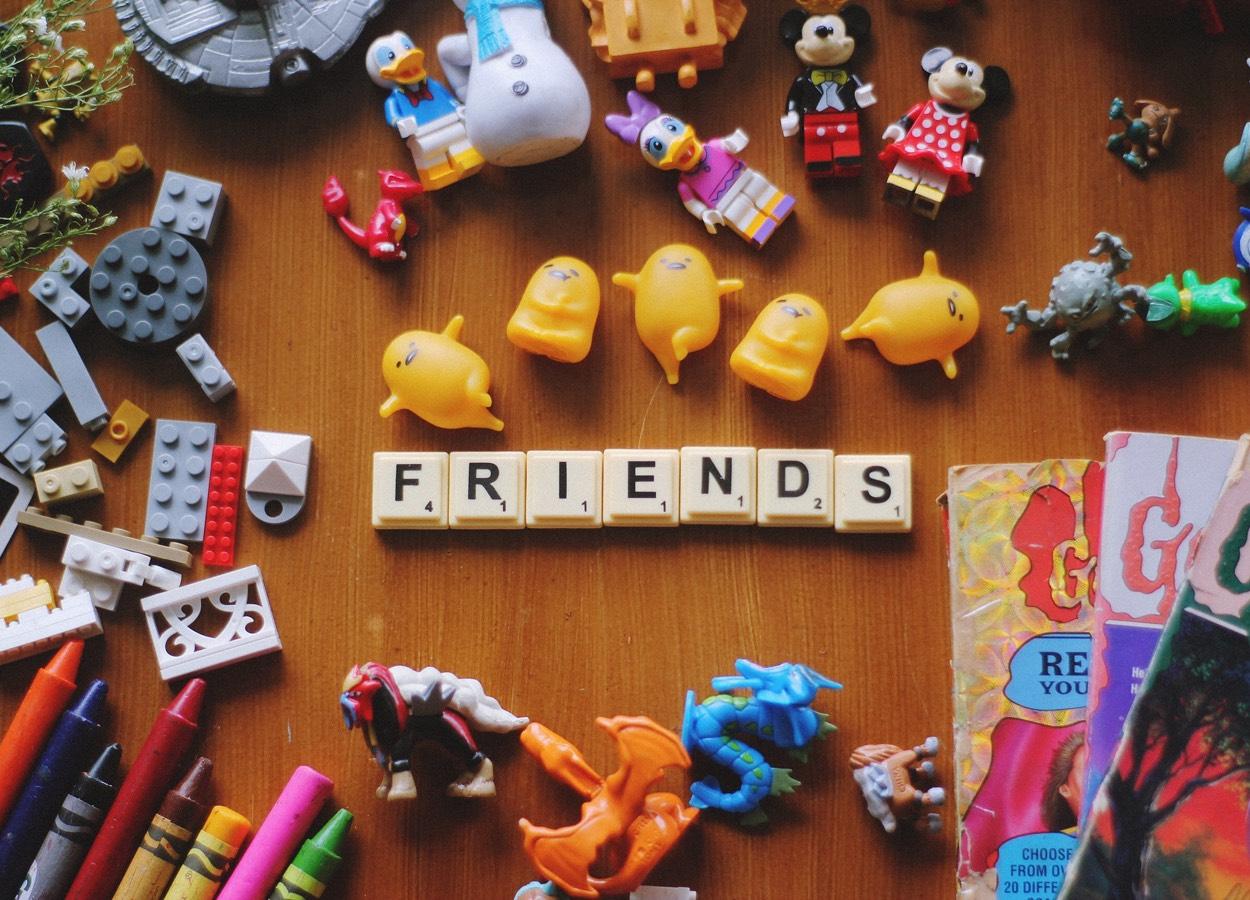 brinquedos para atividades educativas