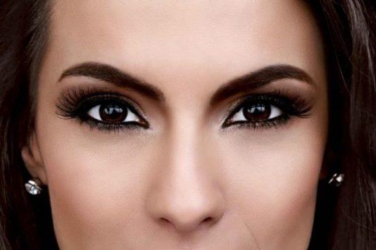 use maquiagem para melhorar a autoestima