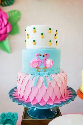 bolo aniversário flamingo