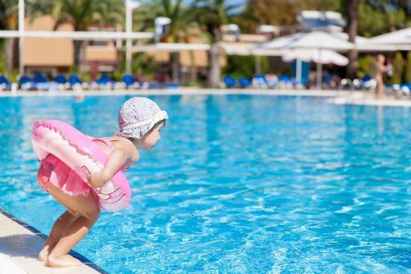 segurança na piscina - bóia