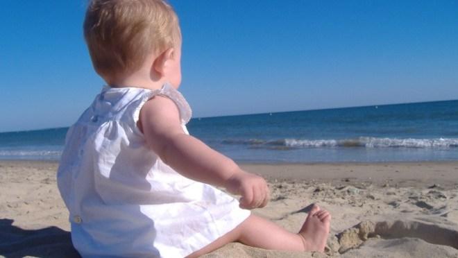 Cuidados com a pele das crianças no verão