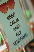 "Placa ""Keep calm and go surfing"""