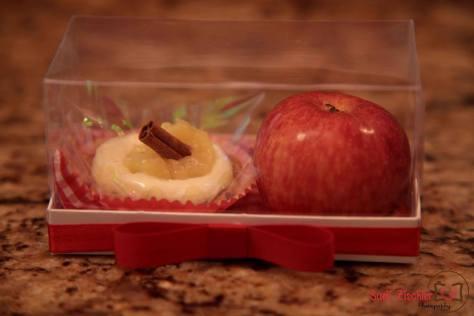 Lembrancinha: caixinha com maçã e torta de maçã