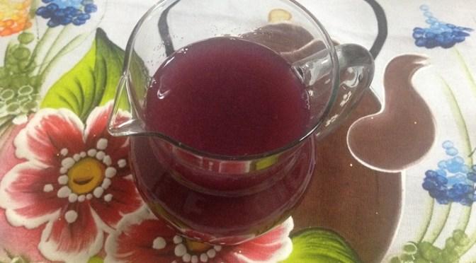Aprenda a fazer suco de uva natural
