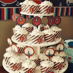 torre de cupcakes marinheiro