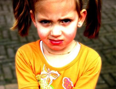 Criança que bate: como agir quando seu filho é agressivo com você