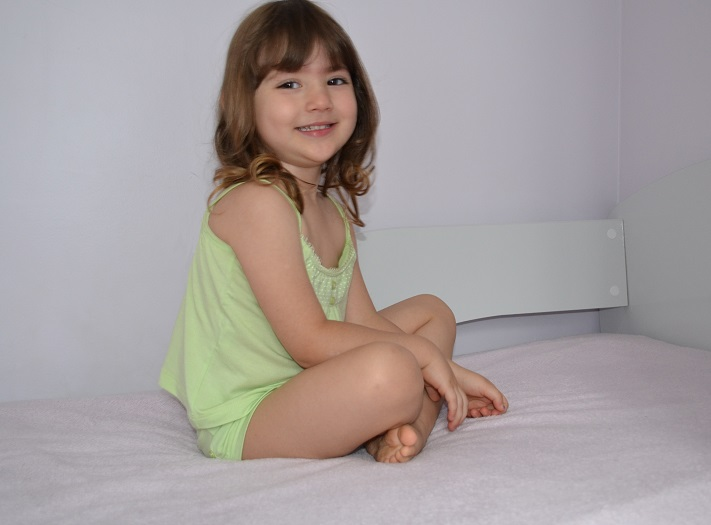 Manuela com pijama da LW LoungeWear