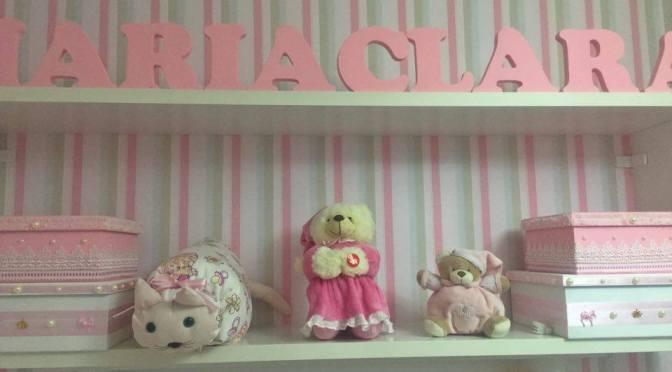 Quarto de bebê provençal com ursinha princesa