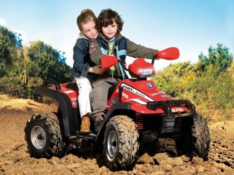 Brinquedo Polaris 700 Twin Sportsman com suspensão nas quatro rodas da Burigotto