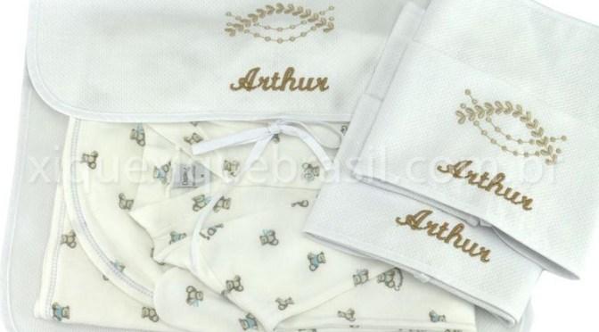 Enxoval de bebê para menina ou menino com bordado e renda