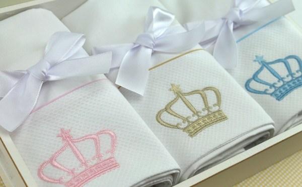 8 itens que não podem ficar de fora do seu enxoval de bebê (tema princesa ou príncipe)