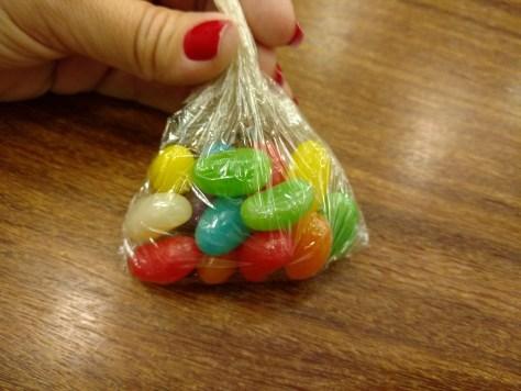 Lembrancinha para Chá de Bebê: fraldinhas com doces