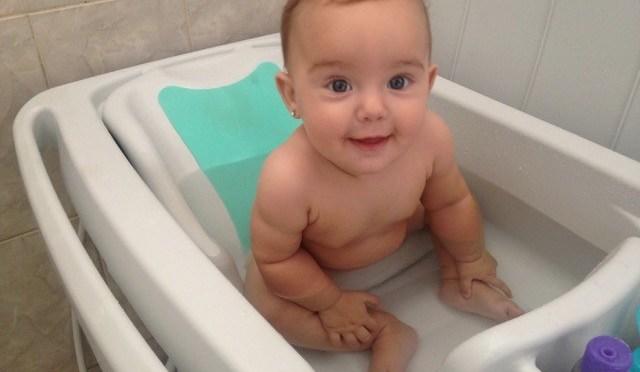 6 perguntas pra se fazer na hora de escolher a banheira de bebê