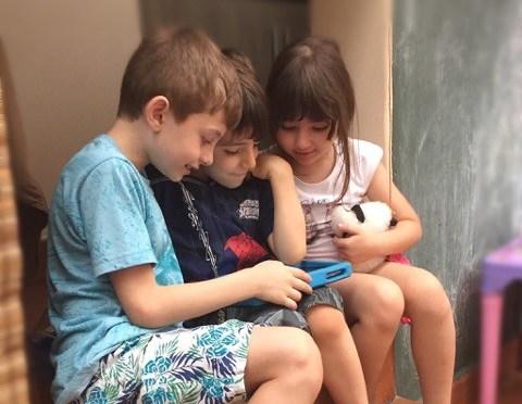 Eletrônicos e crianças: como colocar limites que funcionem