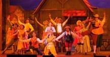 o-musical-a-bela-e-a-fera-dirigido-por-billy-bond-responsavel-por-espetaculos-como-magico-de-oz-cinderella-e-os-miseraveis-faz-temporada-de-4-e-26-de-outubro-no-teatro-bradesco-zona-oeste-141081593379