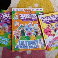 Review: DK Fingerlings books + giveaway!