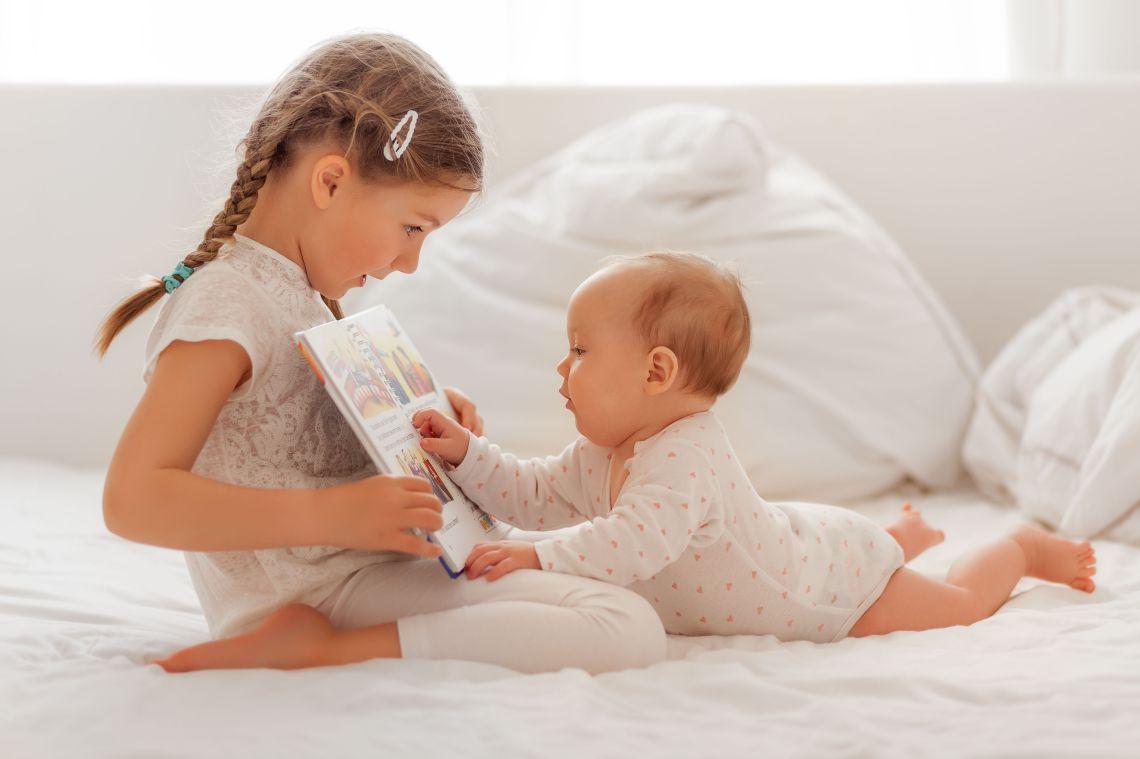 如何讓嬰兒也享受閱讀 | MAMAGREENIA媽媽跟妳的教育空間