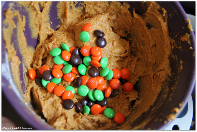 Pumpkin Brookies with M&M's - Mama Harris' Kitchen #InfinityHeroes #shop #cbias