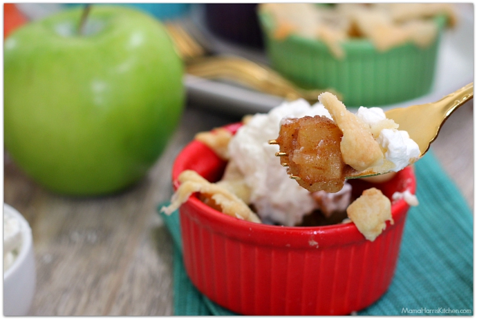 Low Calorie Mini Pear Apple Pies using Zing Stevia! AD #SKExperts #ZingBakingBlend with SheKnows | Mama Harris' Kitchen