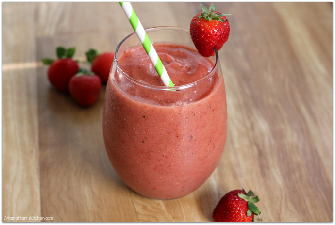 mango strawberry banana smoothie | Mama Harris' Kitchen
