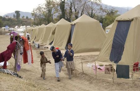 Kinder in einem Flüchtlingslager