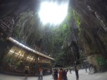 Dentro de las Batu caves