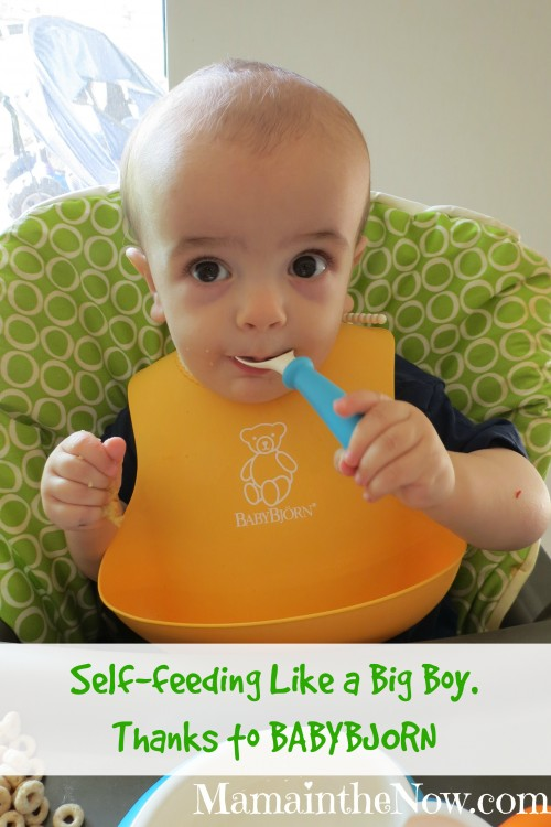 Self-feeding like a big boy - thanks to BABYBJORN