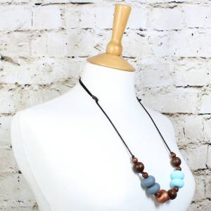 GILLY COPPER BLUE 3 Copy - Gilly dark wood and silicone teething nursing necklace Copper blue
