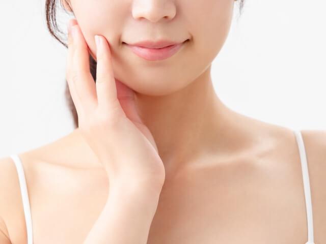 【調べてみた】毎日ファンデーションを使用して化粧すると肌の劣化は加速する?
