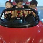 Si Kembar Dan Ferrari???