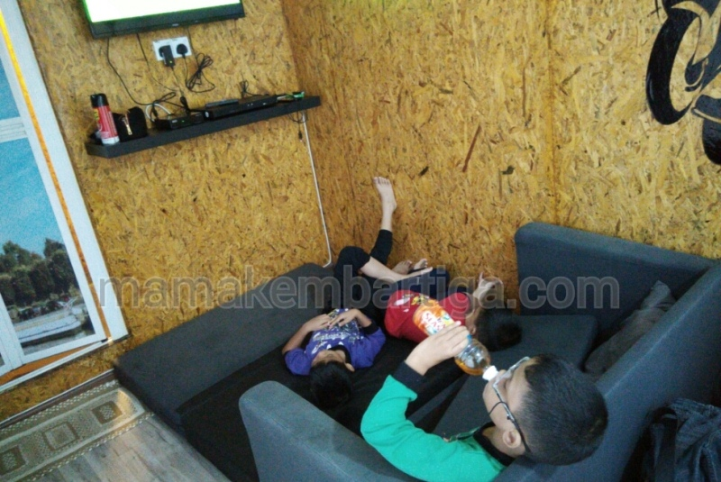 homestay_kontena_melaka_sofa_bed