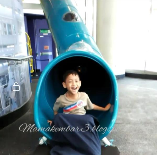 Petrosains tempat menarik di Kuala Lumpur