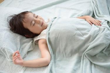 1歳がたくさん寝る大切さ。時間を決めた生活は将来にも影響する