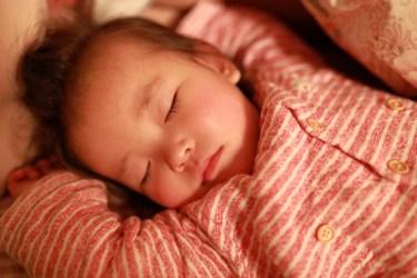 4ヶ月の赤ちゃんの生活リズムの整え方は?一日の生活の様子