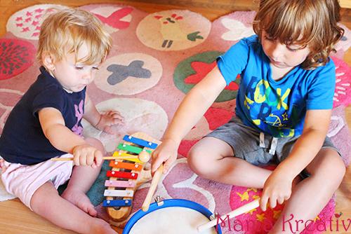 musikalische erziehiehung für kleinkinder daheim musikalische spiele