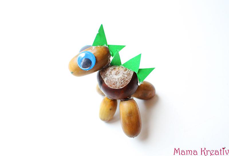 Basteln mit Kastanien für Kinder: Kastanientiere Tiere basteln Dino Dinosaurier