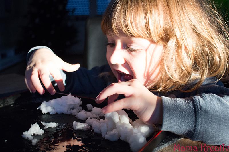 schnee selber machen aus windeln starke öl rasierschaum (6)