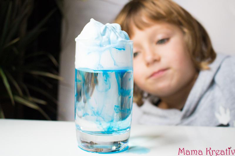 Experimente für Kinder einfach: Vulkan selber machen, Oobleck, Regenwolke im Glas, Malen auf Salz