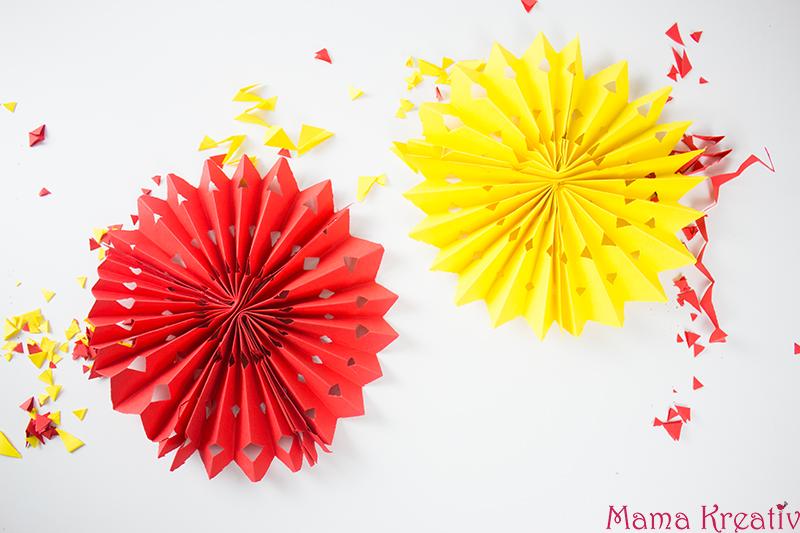 Diy fasching deko mit kindern basteln 4 schnelle ideen mama kreativ - Fasching im kindergarten basteln ...