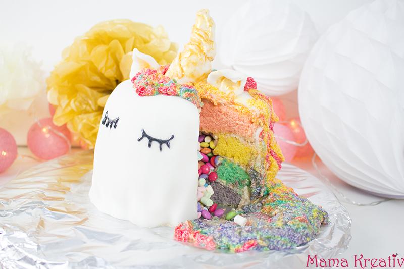 Einhorn-Regenbogen-Pinata-Kuchen selber machen - Rezept und Anleitung