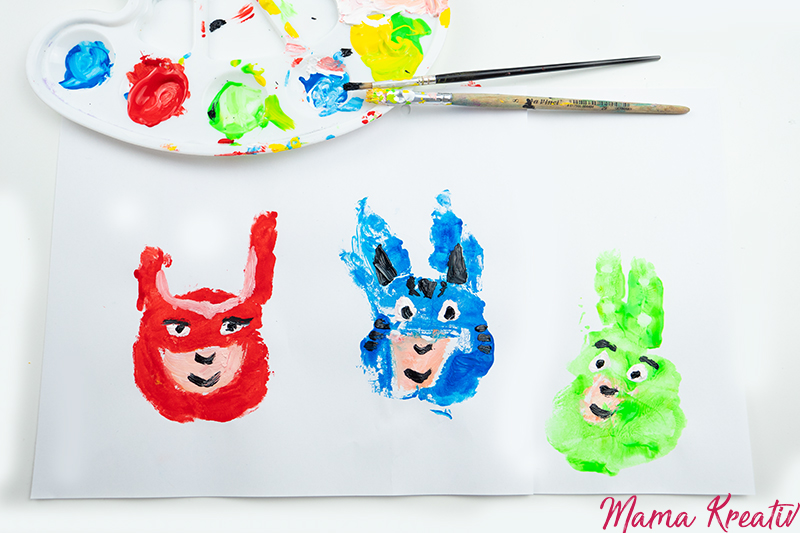 PJ Masken Kostüme Bastelideen Maske machen Armbänder DIY Malen mit Handabdruck Geburtstag Karneval