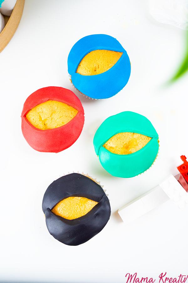 Ninjago Muffins backen - ganz einfaches Rezept - perfekt für einen Kindergeburtstag und Ninjago Party