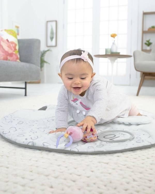 Skip Hop Little Swan žaidimų kilimėlis su etapų kortelėmis