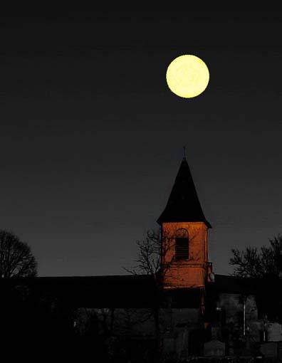 La Lune Comme Un Point Sur Un I : comme, point, Ballade, Chansons, Enfantines, Françaises, France, Lisa's, World, Français:, Comptines, Enfants, Monde, Entier